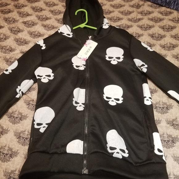 Jackets & Blazers - Skull zip up hoodie